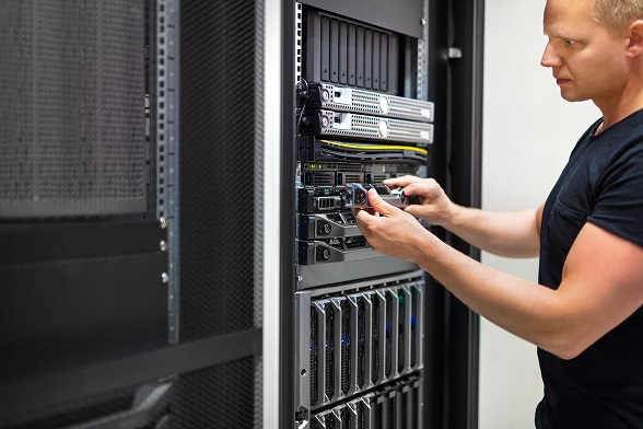 przechowywanie danych na serwerze